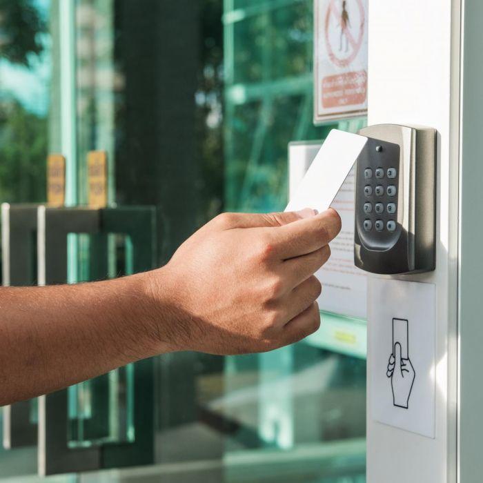 Quem entra e sai da sua empresa, condomínio ou casa? Conheça o sistema com controle de acesso!